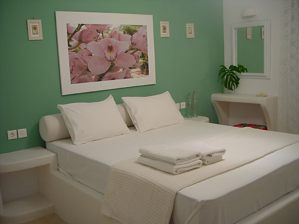 adult bedroom of apartment at Litsa Malli Rooms Pollonia Milos Greece